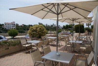 El Bar Restaurante Sa Galera Hotel Port Ciutadella Menorca Scooter